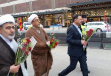 Photo of Shiamuslimska representanter lade ner rosor vid  attentatplatsen i Stockholm